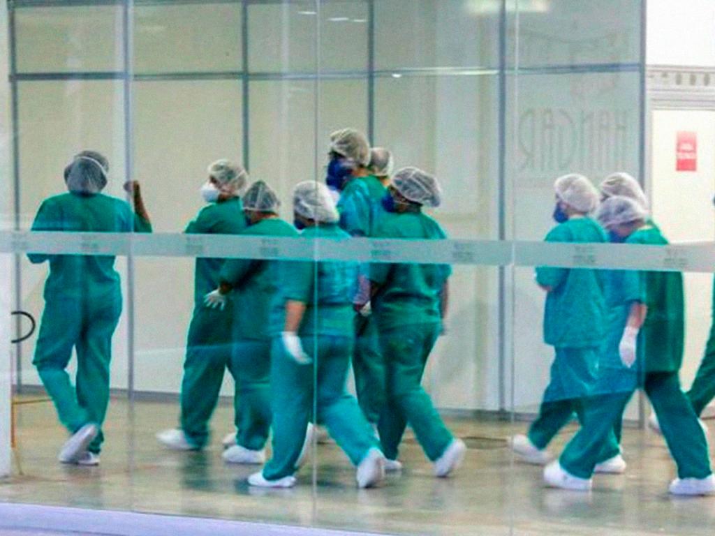Enfermeiros, enfermeiras e trabalhadores da saúde